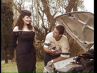 """Gessica Rizzo è """"Una Zia molto disponibile"""" (original movie - director cut)"""