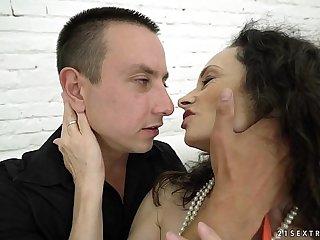 Cockhungry granny got fucked - Lusty Grandmas