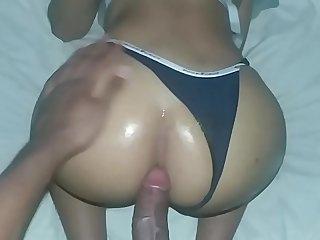 sexo anal, mi padrastro me destroza el culo con polla extra grande, celebrando la bien venida de lebron james a los angeles
