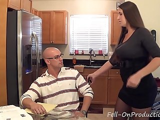"""Madisin Lee in MILF mom helps son with his """"Term Paper Blue Balls"""""""