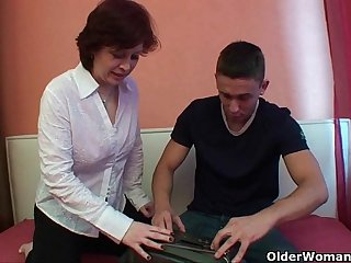 Mom knows how to give your cock ultimate pleasure