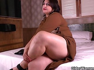 Latina moms get naughty in nylon pantyhose