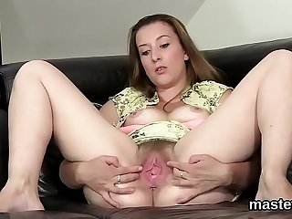 Peculiar czech chick stretches her wet fuckbox to the limit