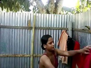 Bangladeshi-sexy-girl-full-naked-bathing-selfie-for-Bf