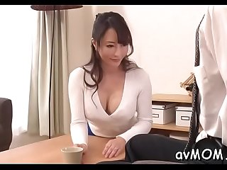 Slim mom positions her tight cunt on hard cock whilst deepthroating